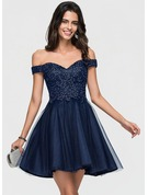 A-Line/Princess Off-the-Shoulder Short/Mini Tulle Homecoming Dress With Lace Beading