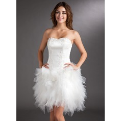 A-Line/Princess Sweetheart Asymmetrical Tulle Cocktail Dress With Appliques Lace Flower(s)
