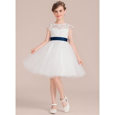 A-Line/Princess Scoop Neck Knee-Length Tulle Junior Bridesmaid Dress With Sash Flower(s)