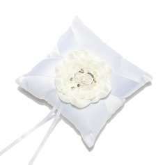 Delicate Ring Pillow in Satin With Flowers