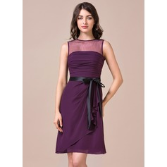 Sheath/Column Scoop Neck Knee-Length Chiffon Bridesmaid Dress With Ruffle Sash Bow(s)