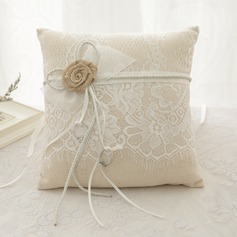 Square Ring Pillow in Linen With Flowers