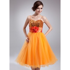 Empire Sweetheart Knee-Length Tulle Sequined Homecoming Dress With Ruffle Flower(s)