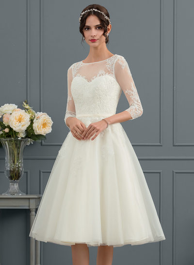 A-Line/Princess Scoop Neck Knee-Length Tulle Wedding Dress
