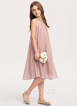 A-Line Scoop Neck Knee-Length Chiffon Junior Bridesmaid Dress With Beading Sequins (009208608)