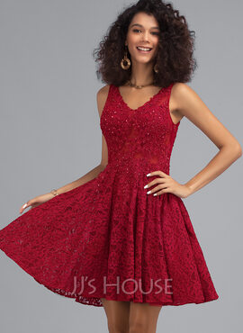 A-Line V-neck Short/Mini Lace Homecoming Dress With Beading (022203131)