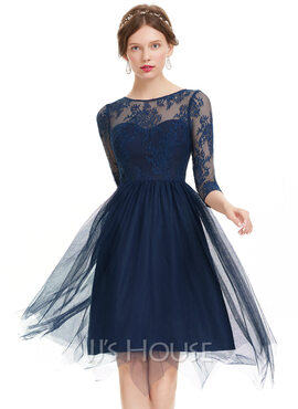 A-Line/Princess Scoop Neck Knee-Length Tulle Homecoming Dress (022120479)