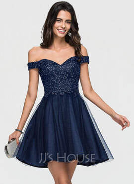 A-Line/Princess Off-the-Shoulder Short/Mini Tulle Homecoming Dress With Lace Beading (022164849)