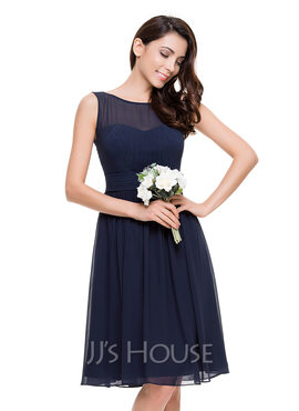 A-Line/Princess Scoop Neck Knee-Length Chiffon Bridesmaid Dress With Ruffle (266176958)