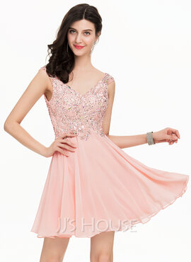 A-Line/Princess V-neck Short/Mini Chiffon Homecoming Dress With Beading (022163284)
