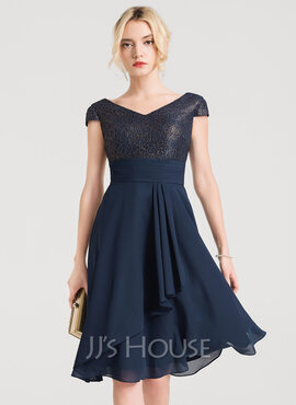 A-Line/Princess V-neck Knee-Length Chiffon Cocktail Dress With Cascading Ruffles (016150220)
