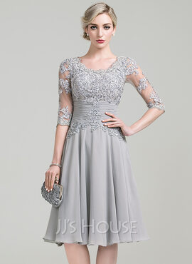 A-Line Scoop Neck Knee-Length Chiffon Cocktail Dress With Ruffle Appliques Lace (016111351)