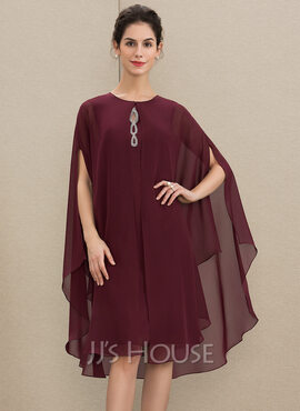 A-Line Scoop Neck Knee-Length Chiffon Mother of the Bride Dress With Beading (008179210)