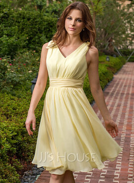 Chiffon V-neck Knee-length A-Line Bridesmaid Dress