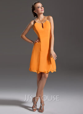 A-Line/Princess Halter Knee-Length Chiffon Cocktail Dress With Beading (016006692)