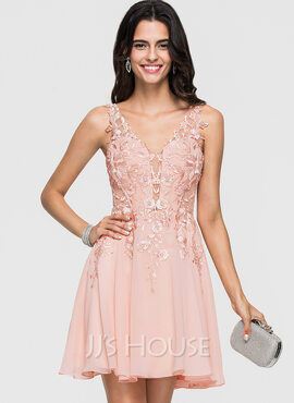 A-Line V-neck Short/Mini Chiffon Homecoming Dress With Lace Beading (022164860)