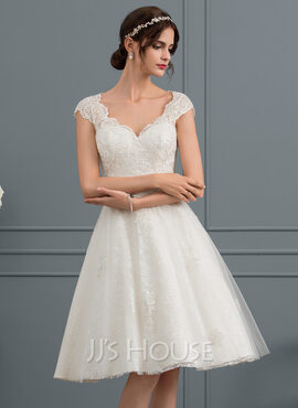 A-Line V-neck Knee-Length Tulle Lace Wedding Dress (002153430)