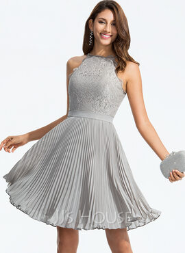 A-Line Scoop Neck Knee-Length Chiffon Homecoming Dress With Pleated (022164843)
