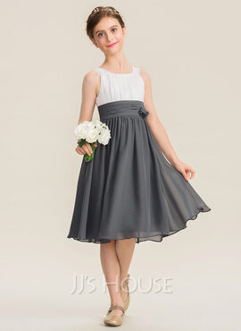 A-Line Scoop Neck Knee-Length Chiffon Junior Bridesmaid Dress With Ruffle Flower(s) (009173304)
