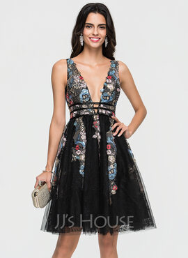A-Line V-neck Knee-Length Tulle Homecoming Dress With Lace Beading Sequins (022164847)