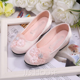 Girl's Round Toe Closed Toe Silk Like Satin Flats Sneakers & Athletic Flower Girl Shoes With Flower (207204379)