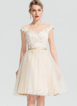 A-Line Scoop Neck Knee-Length Tulle Cocktail Dress With Appliques Lace (016154222)