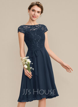 A-Line Scoop Neck Knee-Length Chiffon Lace Bridesmaid Dress With Sequins Bow(s) (007165870)