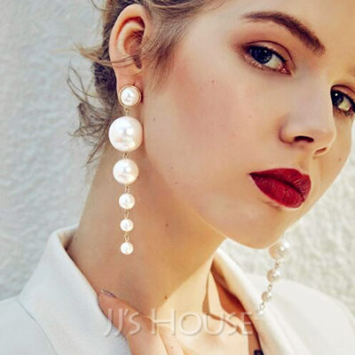 Elegant Alloy/Imitation Pearls Earrings