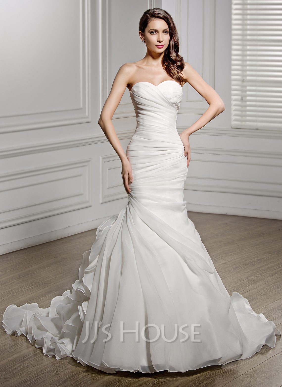 Trumpet/Mermaid Sweetheart Chapel Train Organza Wedding Dress With ...