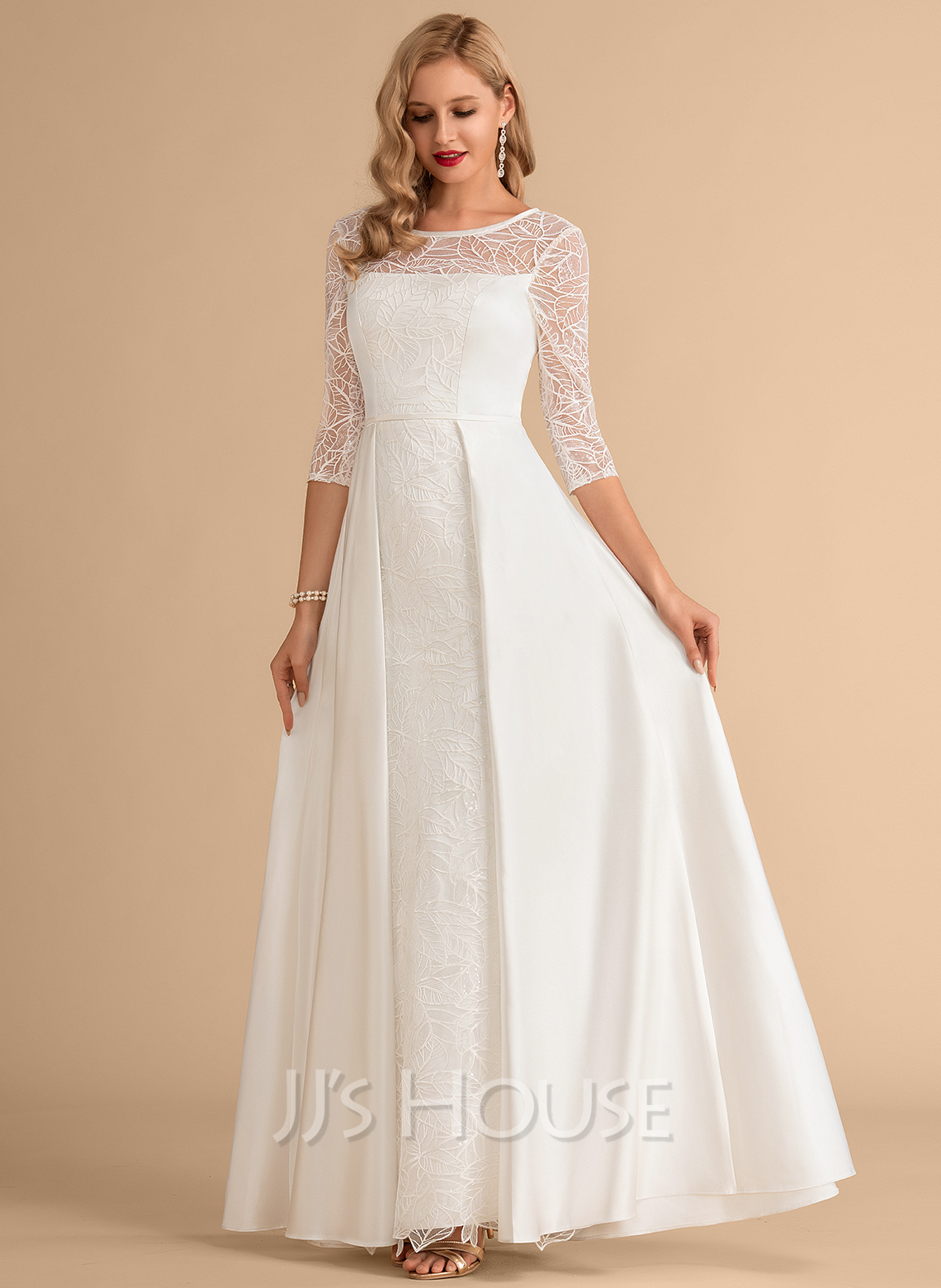 Scoop Neck Floor-Length Satin Wedding Dress With Lace