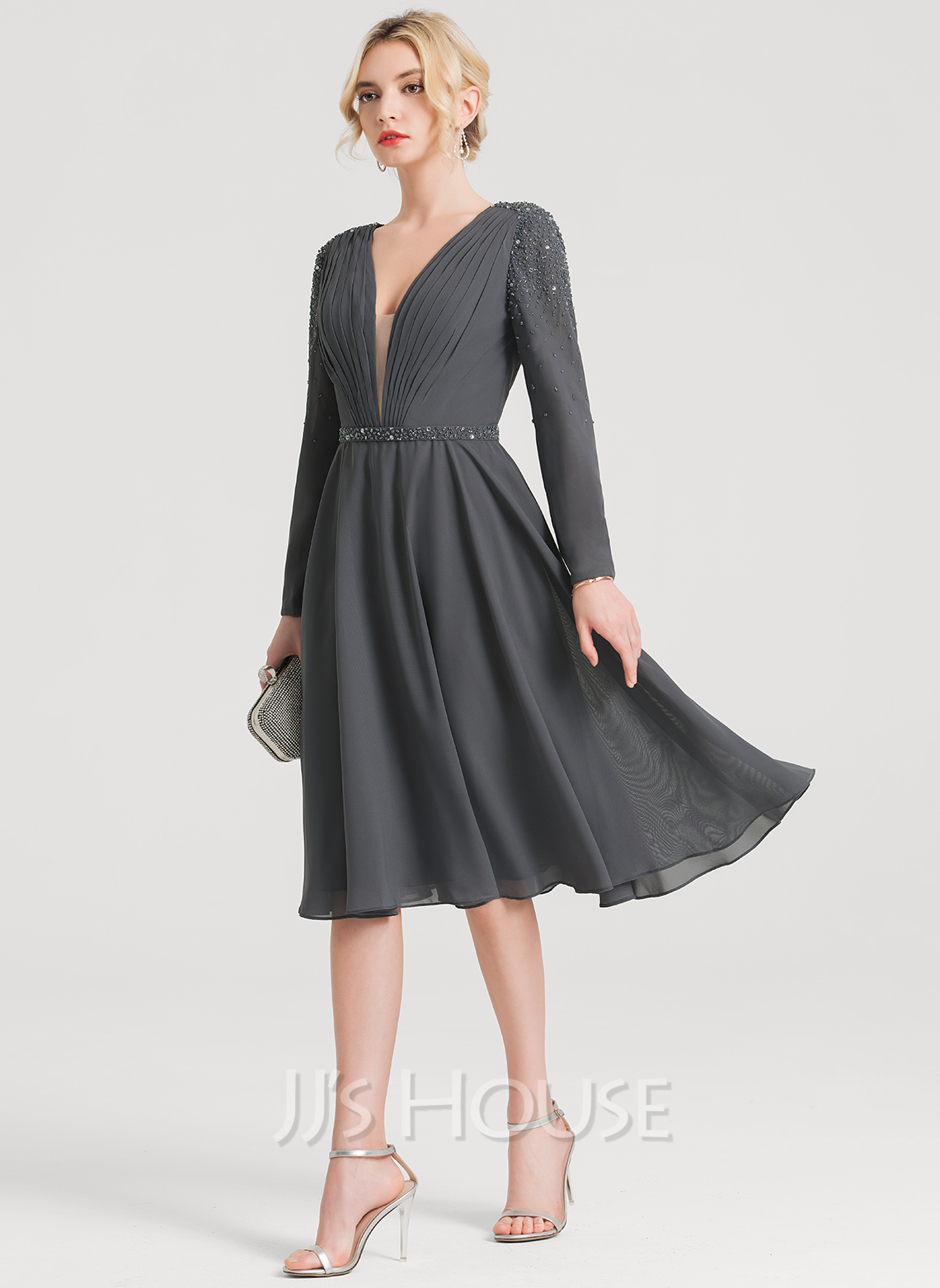 V-neck Knee-Length Chiffon Cocktail Dress With Ruffle Beading
