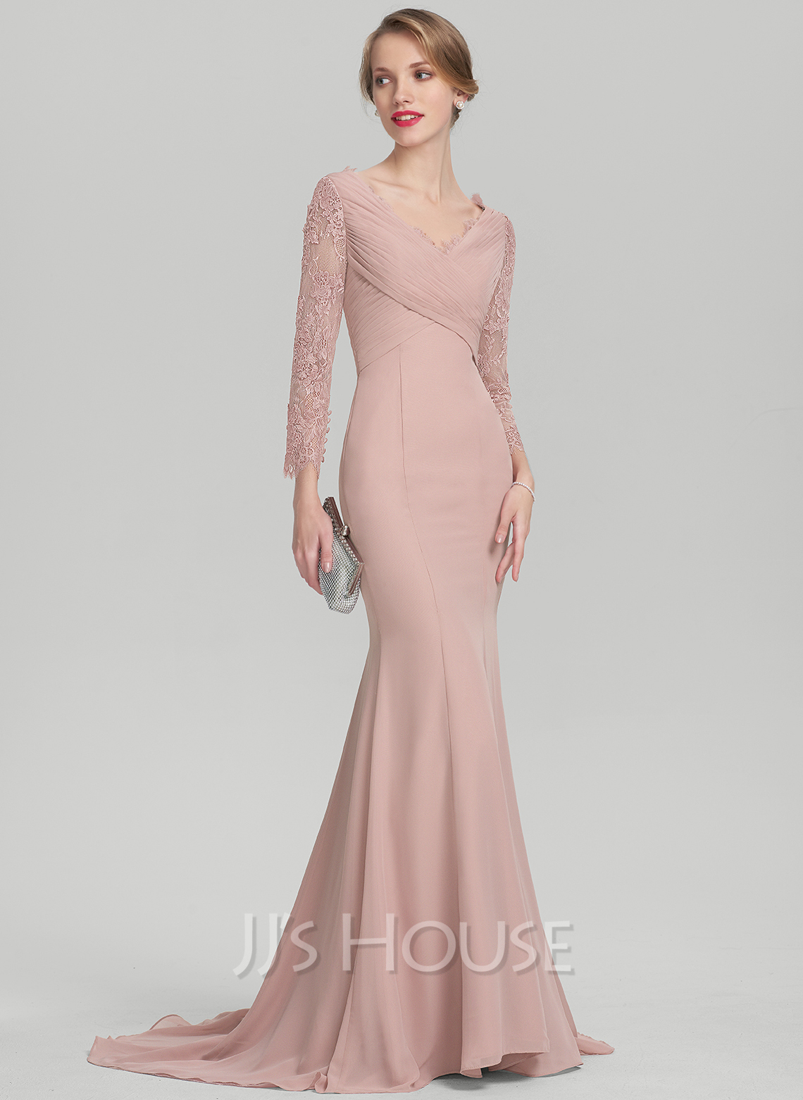 Trumpet/Mermaid V-neck Sweep Train Chiffon Lace Mother of the Bride Dress