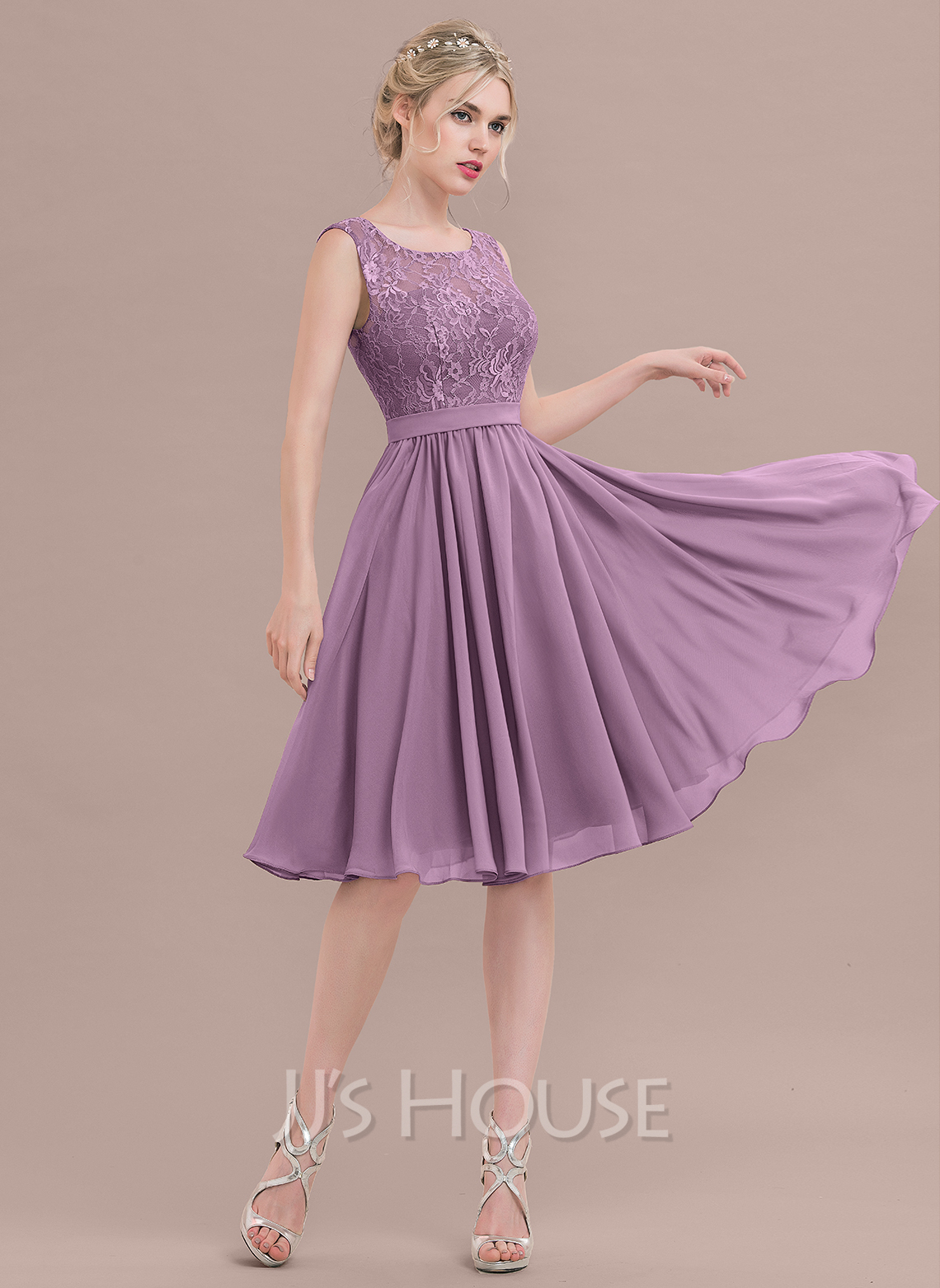 A-Line/Princess Square Neckline Knee-Length Chiffon Lace Bridesmaid Dress