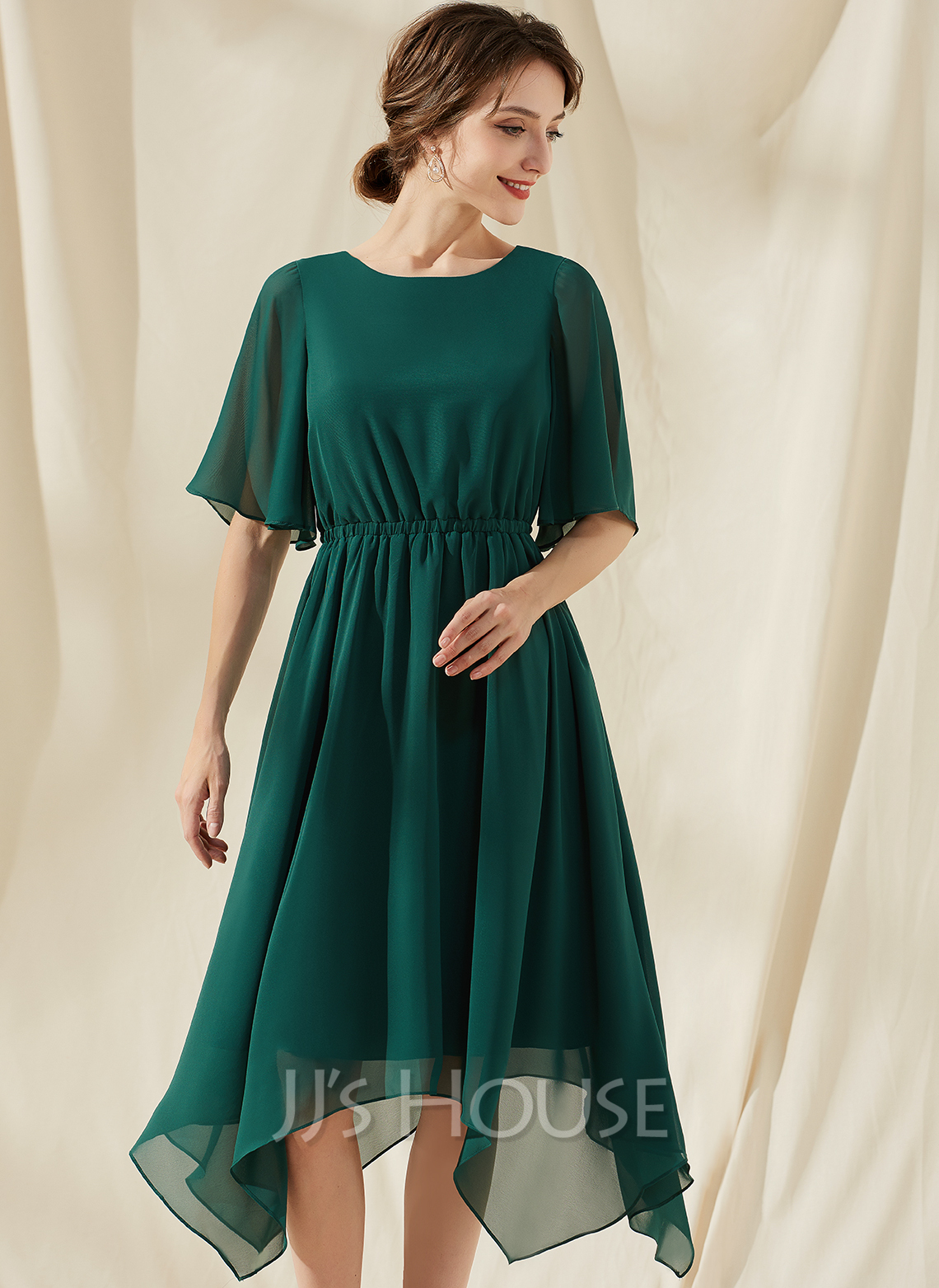 A-Line Scoop Neck Tea-Length Chiffon Cocktail Dress With Ruffle