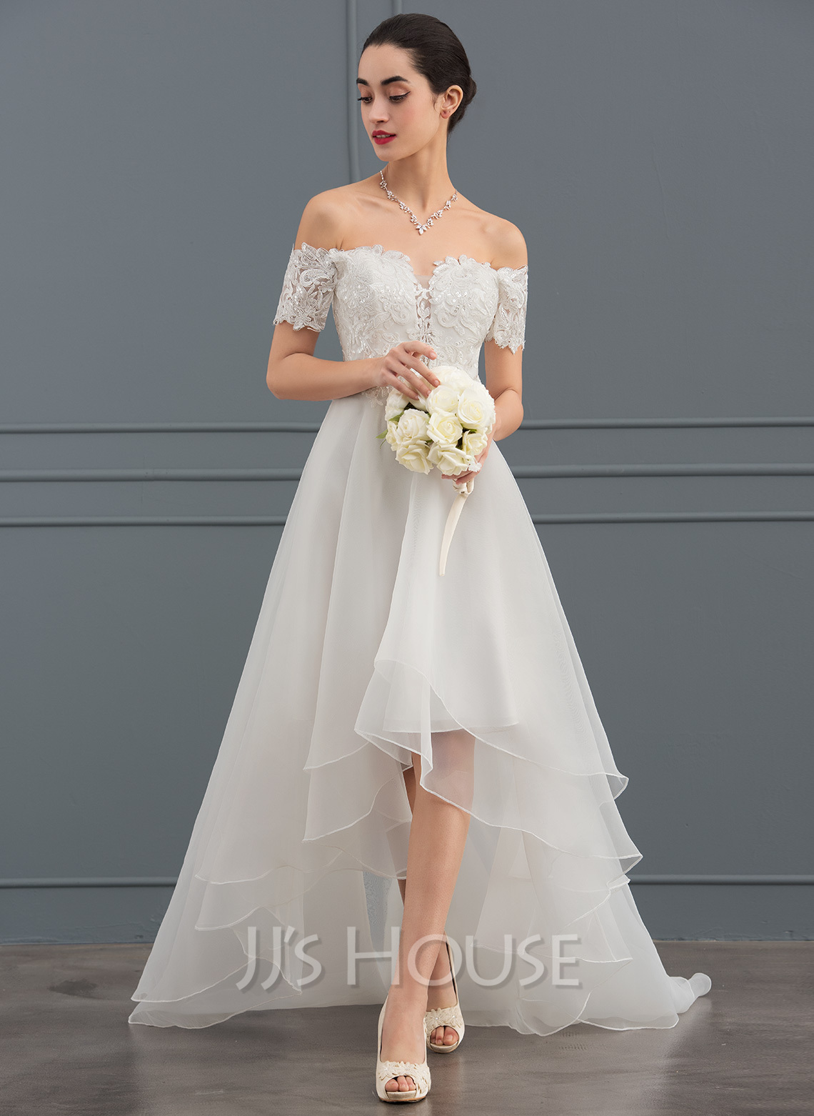 Off-the-Shoulder Asymmetrisk Organza Brudekjole med paljetter
