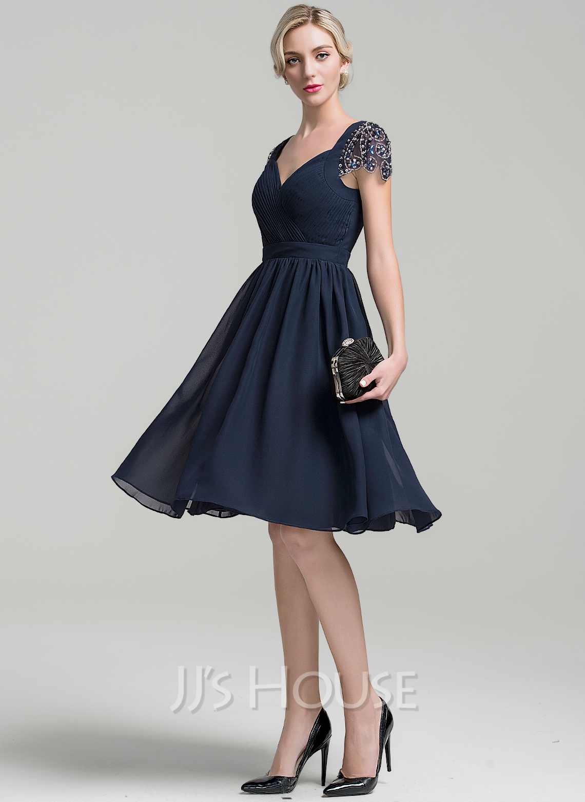 Sweetheart Knee-Length Chiffon Cocktail Dress With Ruffle Beading Sequins