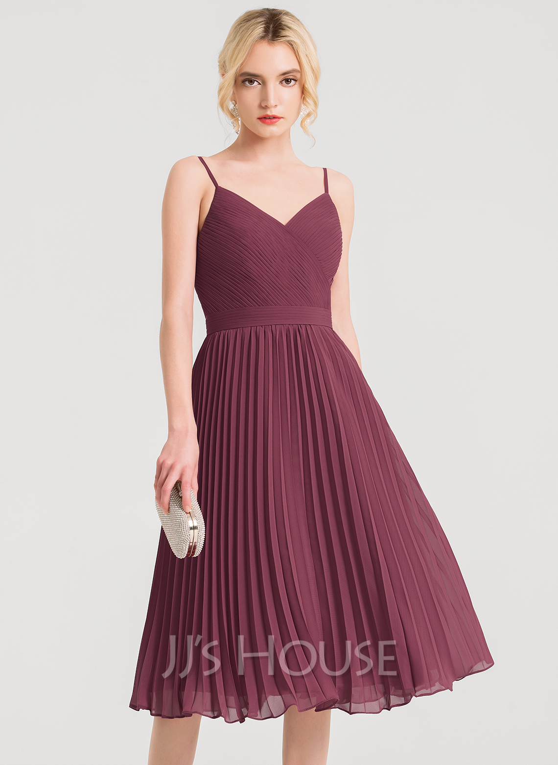 A-Line V-neck Knee-Length Chiffon Cocktail Dress With Pleated