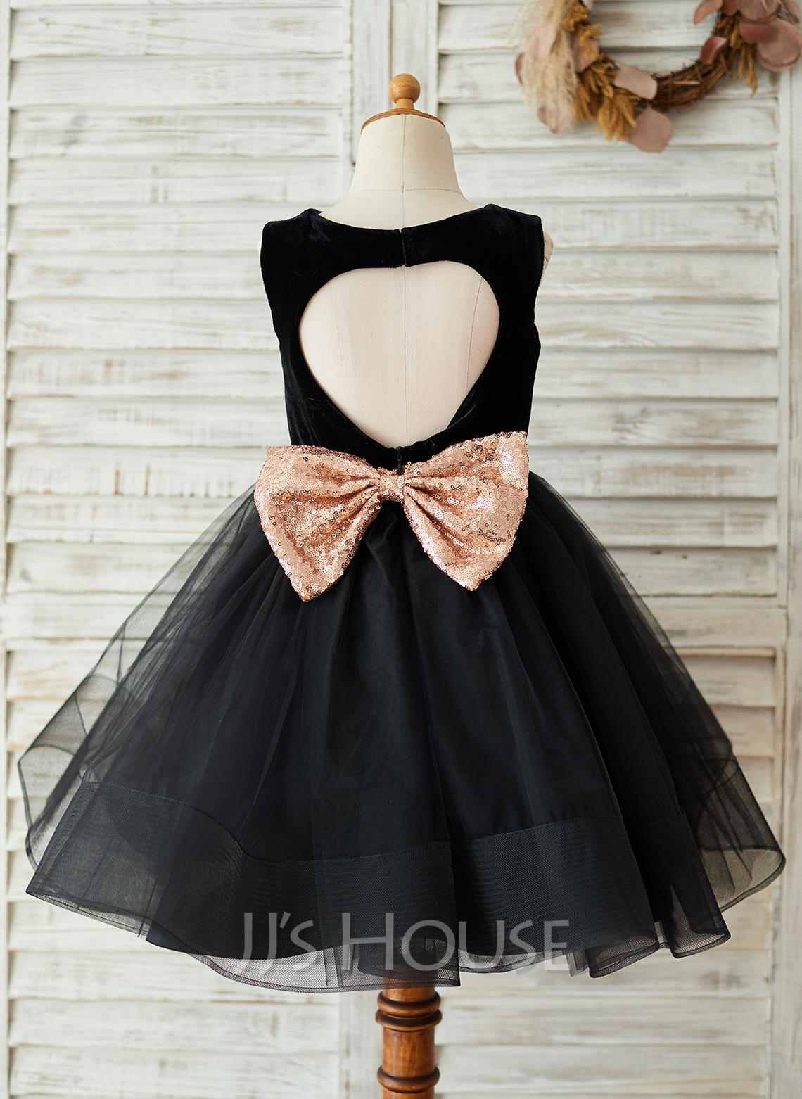 Knee-length Flower Girl Dress - Tulle Velvet Sequined Sleeveless Scoop Neck With Back Hole