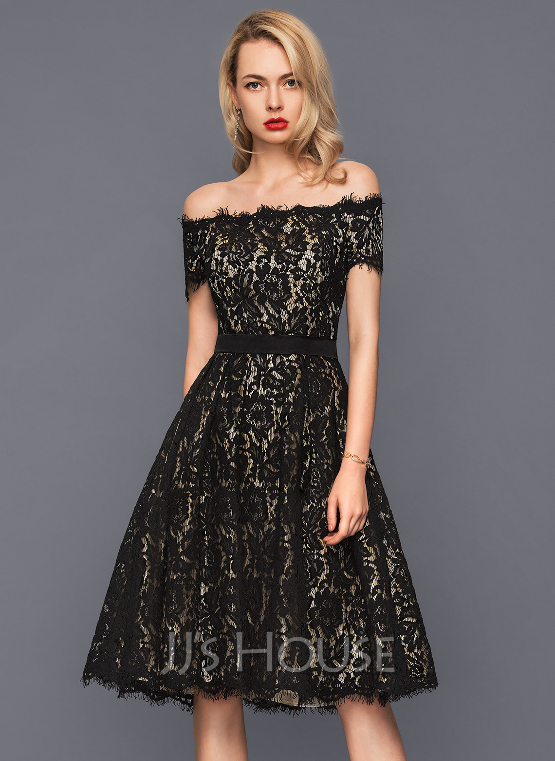 Off-the-Shoulder Knee-Length Lace Cocktail Dress