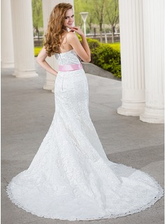 Trumpet/Mermaid Sweetheart Chapel Train Lace Wedding Dress With Sash Bow(s)
