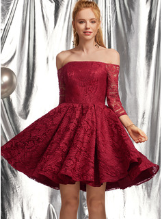 A-Line Off-the-Shoulder Short/Mini Lace Homecoming Dress With Ruffle