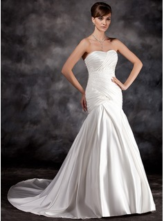 Trumpet/Mermaid Sweetheart Court Train Charmeuse Wedding Dress With Ruffle Appliques Lace