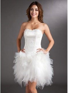 A-Line Sweetheart Asymmetrical Tulle Cocktail Dress With Appliques Lace Flower(s)