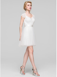 Sweetheart Short/Mini Tulle Lace Bridesmaid Dress With Ruffle