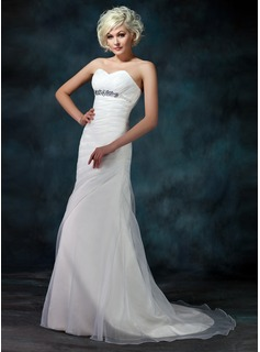 A-Line/Princess Sweetheart Court Train Organza Wedding Dress With Ruffle Beading