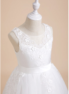 lace sweetheart trumpet wedding dress