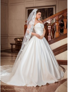 One-tier Cathedral Bridal Veils With Lace Applique Edge