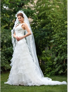 One-tier Chapel Bridal Veils With Scalloped Edge