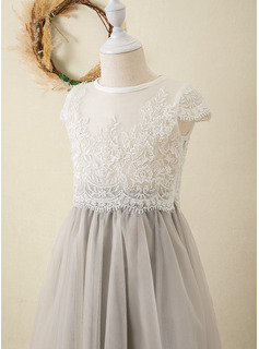 Ball-Gown/Princess Tea-length Flower Girl Dress - Tulle/Lace Short Sleeves Scoop Neck