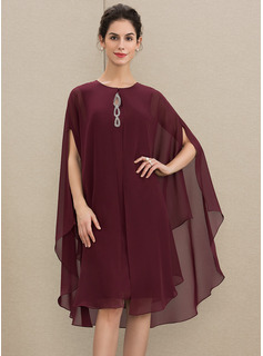 Scoop Neck Knee-Length Chiffon Mother of the Bride Dress With Beading
